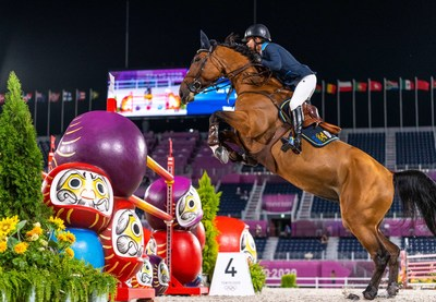 Malin Baryard-Johnsson and Indiana produced one of the three clear rounds that put Sweden at the top of the leaderboard in tonight's Team Jumping Qualifier at the Tokyo 2020 Olympic Games in Baji Koen Equestrian Park. (FEI/Arnd Bronkhorst)