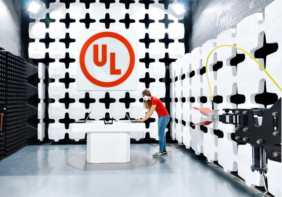 A UL technician conducts a wireless coexistence test inside UL's recently expanded EMC and wireless laboratory in Carugate, Italy. The ehanced facility enables UL to service a more diverse range of products for customers across multiple industries, including consumer electronics, information technology equipment, telecommunications, medical, industrial, lighting and small and large appliances. (PRNewsFoto/UL)
